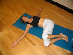 knee sway back exercise image
