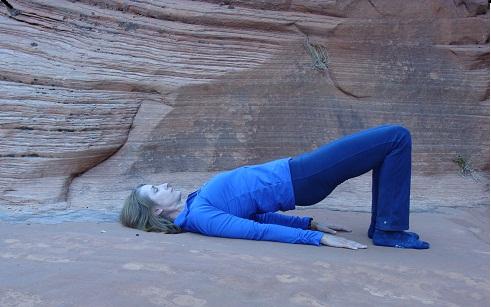 how to do pilates bridge image